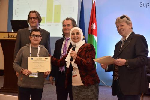 Student receiving certificate 4